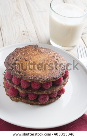 Pancakes with chocolate and berry