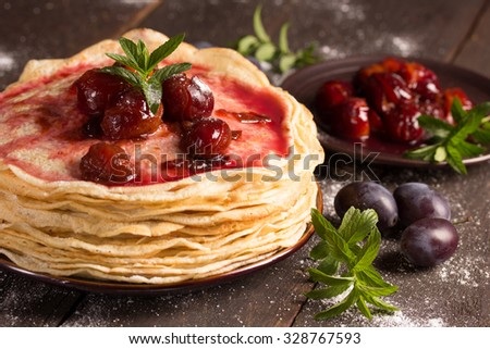 pancakes with plums and mint