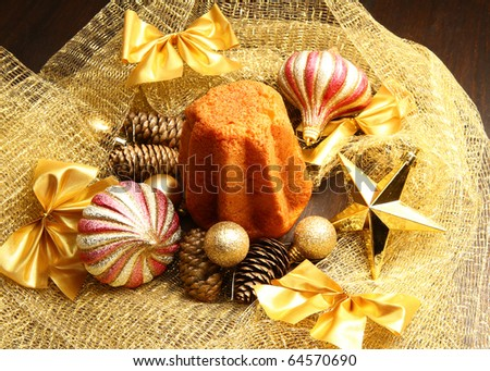 pandoro with christmas decoration
