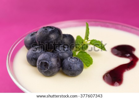 panna cotta with blueberries and mint