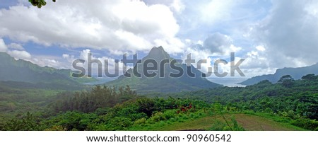 Panorama view of Moorea island , French Polynesia , South Pacific ocean .