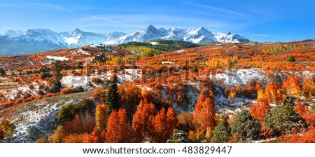 Panoramic view of autumn landscape at Dallas divide