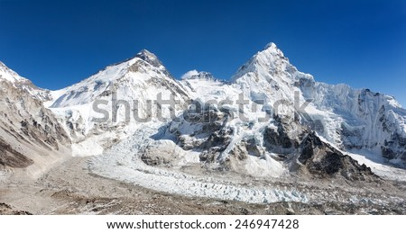 Panoramic view of Mount Everest, Lhotse and Nuptse from Pumo Ri base camp - way to Mount Everest base camp - Nepal