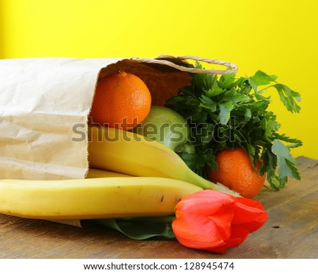 Paper shopping bags - vegetables and fruits