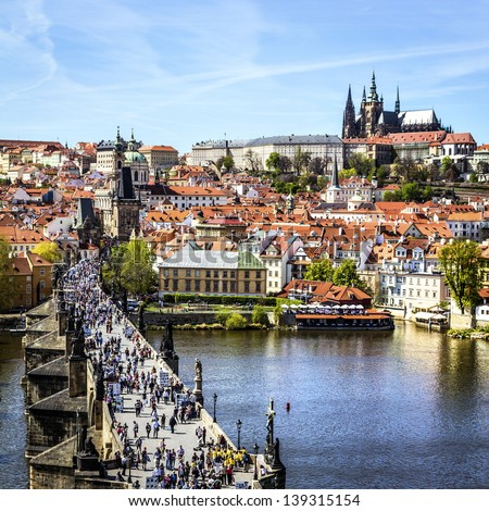 Pargue , wiew of the Lesser Bridge Tower of Charles Bridge (Karluv Most) and Prague Castle, Czech Republic.