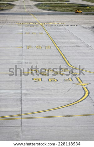 paris airport landing and working zone
