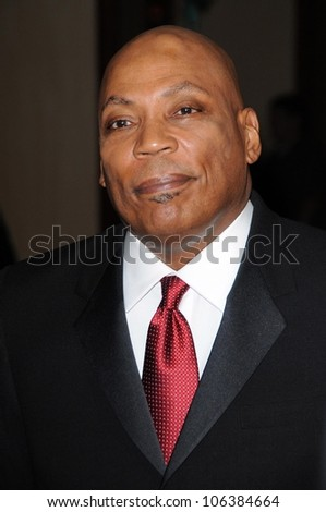 Paris Barclay at the 61st Annual DGA Awards. Hyatt Regency Century Plaza, Los Angeles, CA. 01-31-09