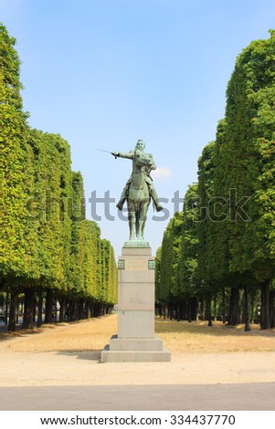 PARIS, FRANCE,JULY 4,2015: Statue of Simone Bolivar in a Paris Park on a sunny day - stock photo