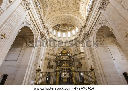 PARIS, FRANCE, SEPTEMBER 08, 2016 : Architectural details and dome of church of the Val de Grace, september 08, 2016 in Paris, France