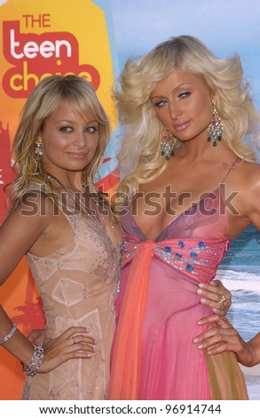 PARIS HILTON (in pink) & NICOLE RICHIE at the 2004 Teen Choice Awards at Universal Studios, Hollywood. August 8, 2004 - stock photo