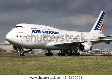 PARIS - MAY 29: Air France Boeing B747-400 taxis to take off on May 29, 2010 in Paris, France. Air France is rated top 10 biggest airlines in the world and top 3 biggest airlines in Europe - stock photo