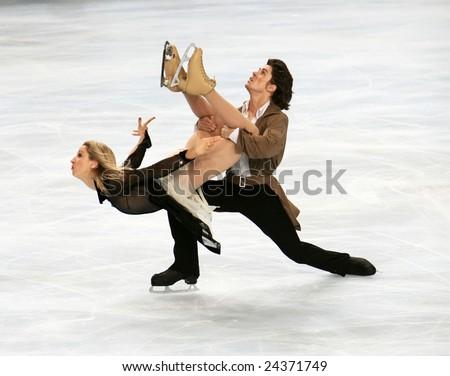 PARIS - NOVEMBER 15: British ice dancers Sinead Kerr / John Kerr perform during the ice dance free skating event of ISU Grand Prix - Eric Bompard Trophy in Bercy, Paris, France on November 15, 2008. - stock photo