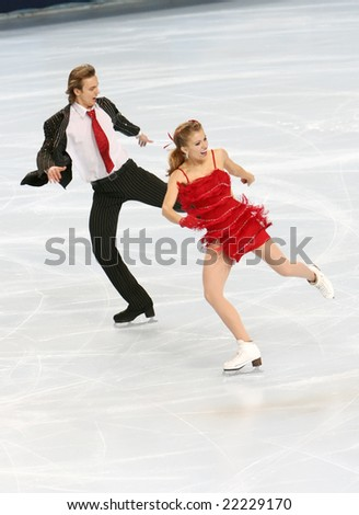 PARIS - NOVEMBER 14: USA's ice dancers Jennifer WESTER / Daniil BARANTSEV perform original dance at Eric Bompard Trophy November 14, 2008 at Palais-Omnisports de Bercy, Paris, France. - stock photo