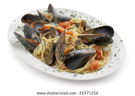 Pasta with mussels - traditional italian food