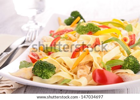 pasta with vegetable and chicken
