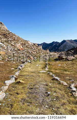 Path of the collar of the death man, the site of the lake to aver, the Italian Alps, Italy