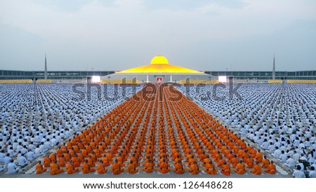 PATHUM THANI - JANUARY 27: The final meditation at Wat Dhammakaya after 1,128 monks have wandered 460km through Bangkok and surroundings on January 27, 2013 in Pathum Thani, Thailand.