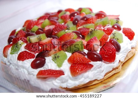 pavlova over white background. Low light.
