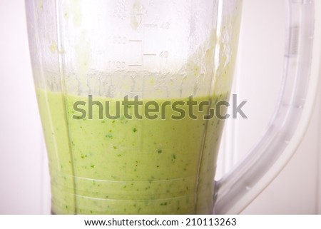 pea and mint blitzed soup in the blender