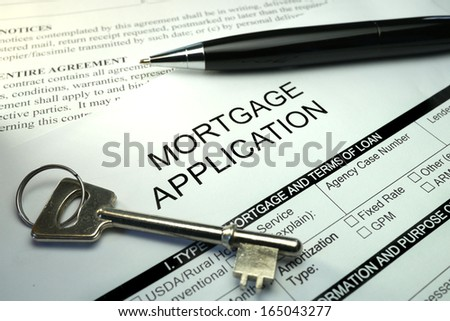 pen and key on mortgage application form