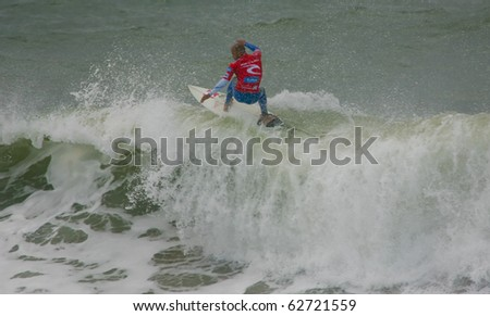 PENICHE, PORTUGAL - OCTOBER 10 : Kelly Slater (USA) in Rip Curl Pro 2010 round 1 October 10, 2010 in Peniche, Portugal