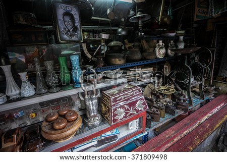 PERAK, MALAYSIA - 31 JANUARY 2016 : Souvenir shop along the road to Cameron Highlands,near the famous waterfall, Lata Iskandar on January 31.