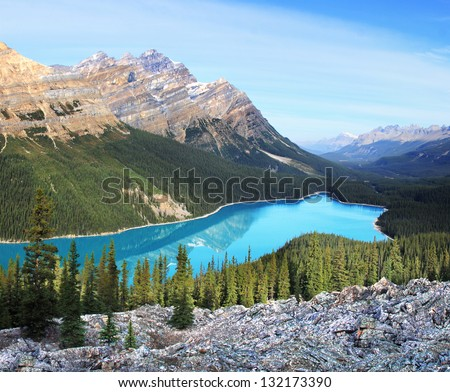 Peyto Lake & Caldron Peak, Banff National Park, Alberta, Canada Approx 30 Miles North of Lake Louise - stock photo