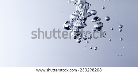 Photo of the clean water with bubbles