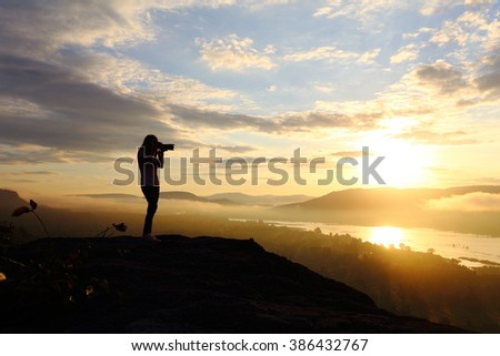 Photography woman with sunrise