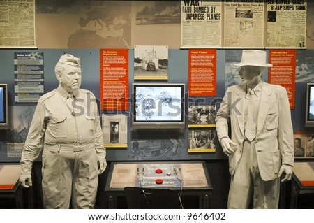 physicist J. Robert Oppenheimer and General Leslie R. Groves statues