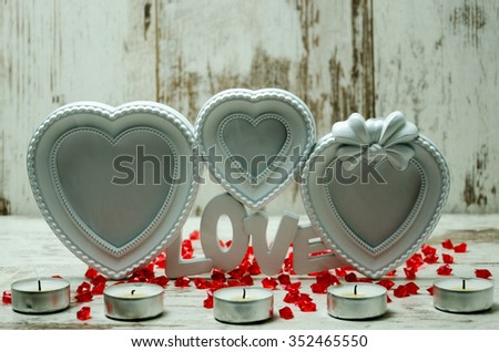 Picture frame in the shape of heart