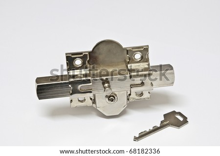 Picture of a bolt and key