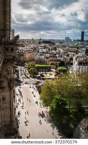 Picture of a Paris cityscape from the tower of the Notre Dame de Paris cathedral