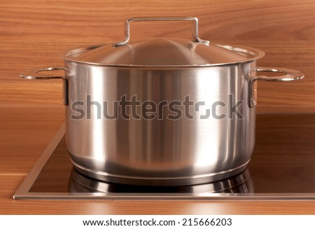 Picture of an stainless steel cooking pot in the kitchen