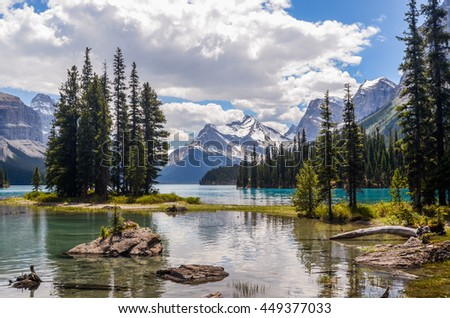 Picturesque Spirit Island and peaks on Maligne Lake in Jasper National Park, Alberta, Canada.