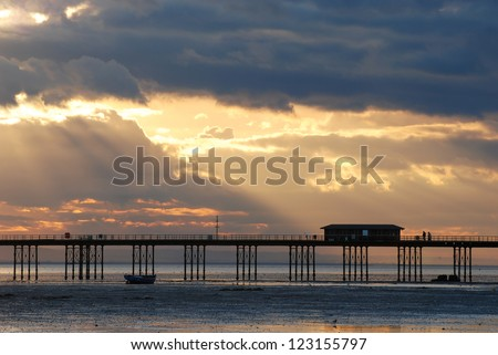 Picturesque sunset over the river Thames, Southend-on-Sea, England