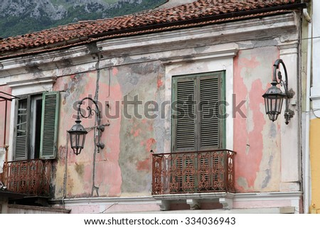 Picturesquely delapidating old house in Cilento, Italy