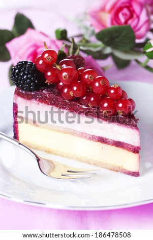 Piece cake with fresh berry