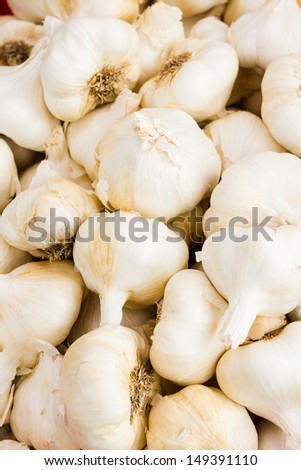 Pile of fresh garlic at the local farmer's  market.