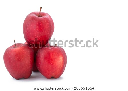 pile of red apples isolate on white clipping path