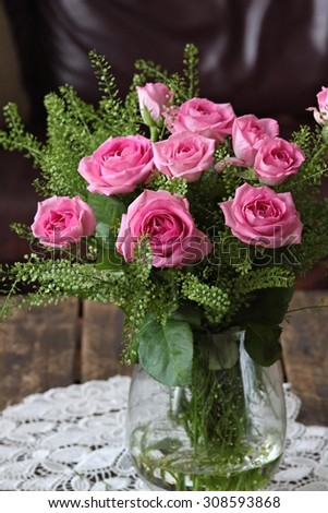 Pink rose bouquet in a vase