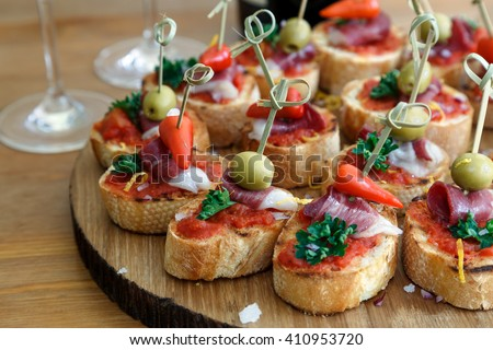 Canape stock images royalty free images vectors for Canape de pate con cebolla caramelizada