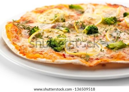 Pizza with Salmon, Broccoli, Cheese and Lemon