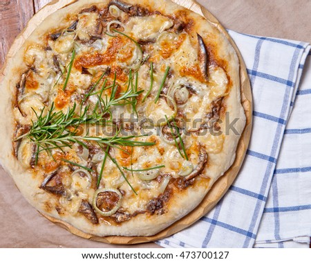 Pizza with sardine