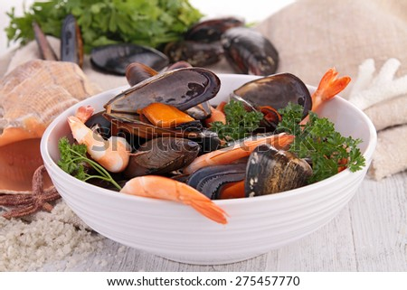 plate of seafood, mussel and shrimp