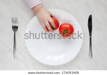 plate with tomato