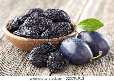 Plum with prunes