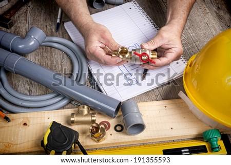 Plumbing doityourself different tools accessories imagen de archivo plumbing do it yourself with different tools and accessories solutioingenieria Images