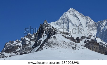 Pointed mountain Palung Ri, Gokyo valley