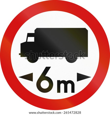 Polish traffic sign prohibiting thoroughfare of lorries with a gross weight over 6 metric tons.